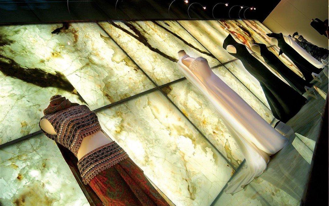 Onyx bianco backlit galleria of stone arizona for Azerocare