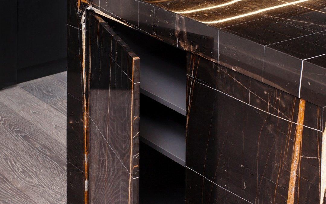 Sahara noir marble galleria of stone arizona for Azerocare